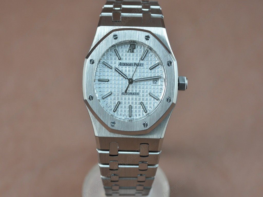 愛彼錶【男性用】Royal Oak Jumbo 39mm SS/SS White Swiss Eta 2824-2 自動機芯搭載8